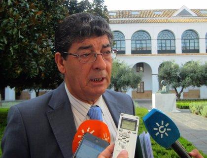 Valderas defiende que la Junta no puede devolver 426 millones al Gobierno y cuadrar el Presupuesto para 2015