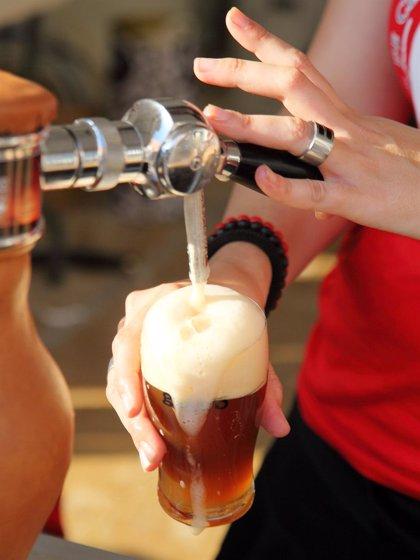 Valencia de Alcántara celebra una 'OktoberFest' con cerveza y música alemana