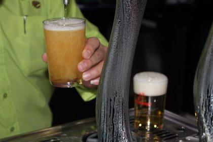 Expertos en nutrición creen que la cerveza, en cantidad moderada, puede considerarse parte de la alimentación saludable