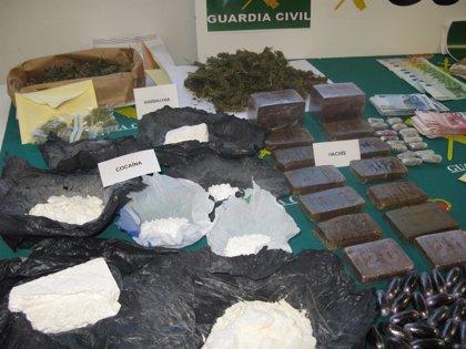 Desarticulada una red de tráfico de drogas y armas en Cáceres y Madrid