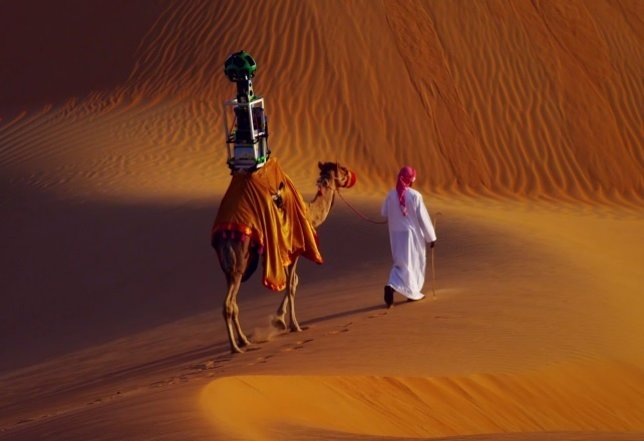 Un camello enseñ para Google Maps el desierto de Liwa