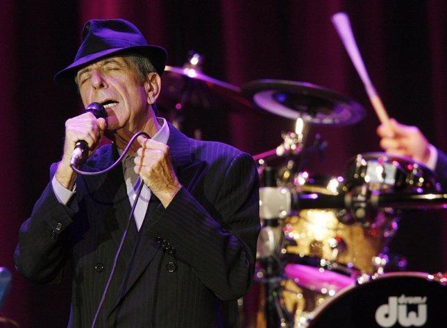 El cantante poeta y escritor Leonard Cohen