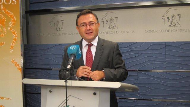 Heredia, de la Interparlamentaria del PSOE-A, analiza los PGE