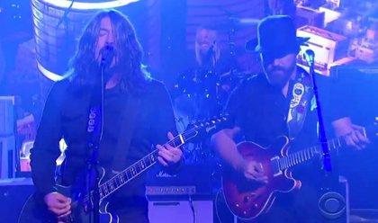 Foo Fighters versionan a Black Sabbath
