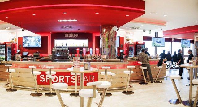 41beac66df0 Mahou San Miguel inaugura los  Sports Bar  en el aeropuerto Adolfo Suárez  Madrid-Barajas