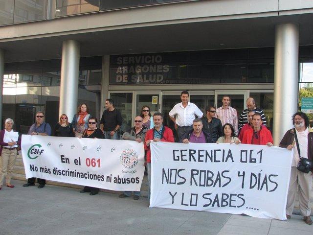 Concentración de trabajadores del 061 Aragón