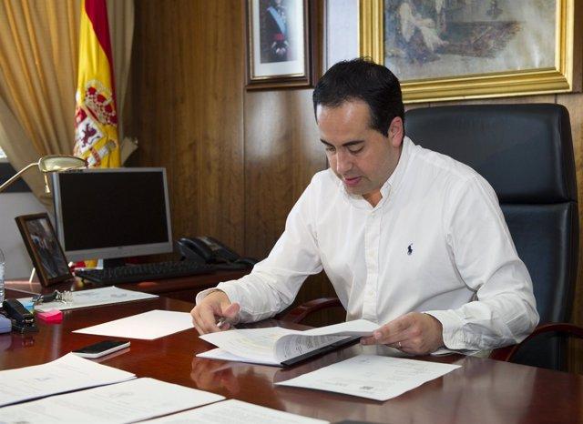 El diputado de Infraestructuras, Héctor Folgado.