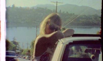 Russian Red muestra su vida en Los Angeles en el videoclip de 'Michael P'