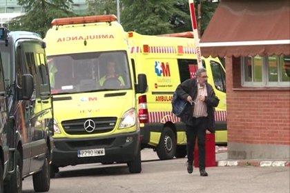 Dos de los hospitalizados el jueves en Madrid dan negativo en la primera prueba de ébola