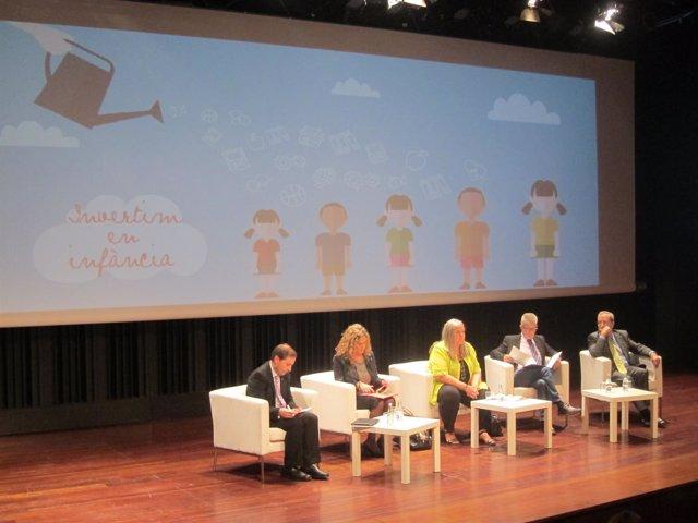 Expertos proponen usar la educación como arma para combatir la pobreza infantil