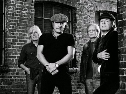 Primera foto promocional de los nuevos AC/DC: sin Malcolm Young y... sin Phil Rudd