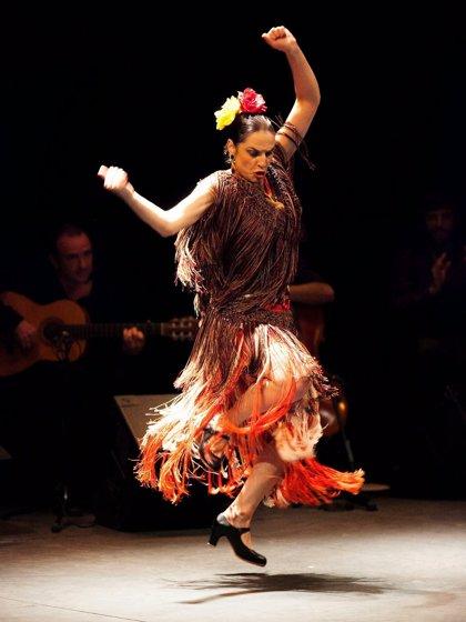 El Teatro Góngora acoge este sábado el espectáculo flamenco de Pilar Astola 'Bailando en plata'
