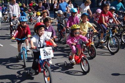 Este domingo Toledo celebra en el Parque Escolar su XIX Día de la Bicicleta y del Patín en Familia