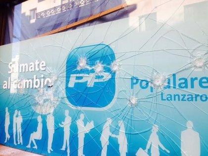 """El PP de Lanzarote muestra su """"repulsa"""" por los actos vandálicos cometidos esta madrugada en su sede de Arrecife"""