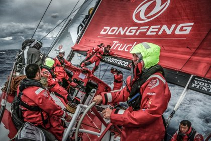 'Dongfeng Race Team' rompe la pala del timón