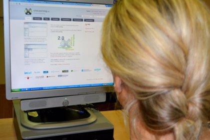 Educación forma a los docentes en el uso de una plataforma que permite crear y compartir contenidos por Internet