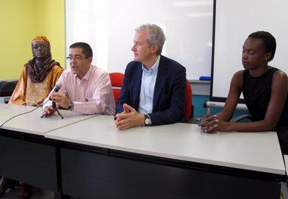 Del Río destaca el gran trabajo de la Escuela de Cooperación con jóvenes que quieren dedicarse a ella profesionalmente