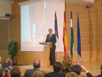 """Rajoy afirma que al final de 2015 España habrá """"superado la mayor crisis económica"""" de """"tres generaciones"""""""