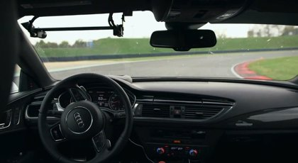 El coche de carreras se hace inteligente y ya no necesita piloto
