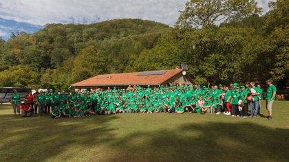 Cerca de 400 personas participan en Ucieda en el Día del Voluntario Ambiental en la Red de Espacios Naturales
