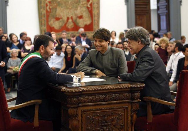 EL alcalde de ROma, Ignazio Marino celebra bodas homosexuales