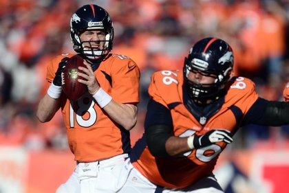 Peyton Manning bate el récord histórico de 'touchdowns' en la NFL