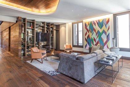 Los extranjeros copan la compra de viviendas de lujo en Barcelona