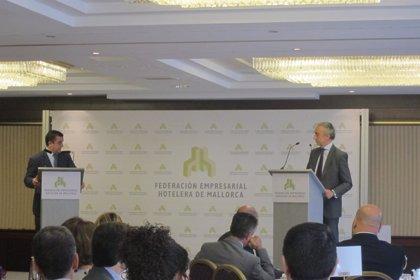 """AMP-Turismo-El secretario de Estado de Hacienda sostiene que la reforma fiscal es """"fundamental"""" para impulsar el turismo"""