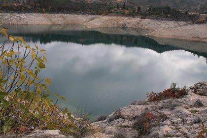 El embalse del Ebro pierde otros tres hectómetros cúbicos y las reservas bajan al 57%