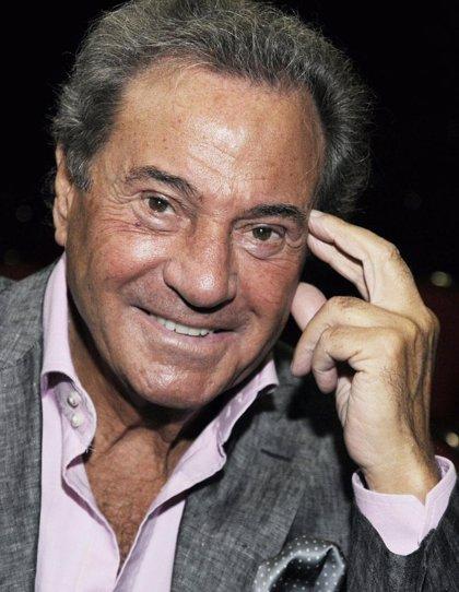 La Asociación de Mayores del PP distingue al actor Arturo Fernández con el VIII Premio Trayectoria Ejemplar