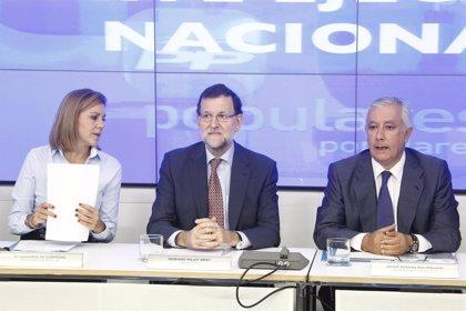 """Rajoy dice que las previsiones económicas son """"buenas"""" y es momento de dar la """"enhorabuena"""" a los españoles"""