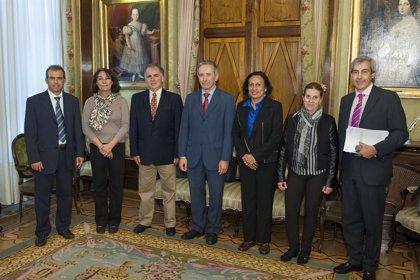 Una delegación de Costa Rica conoce el sistema que emplea el Gobierno de Navarra para evaluar sus políticas