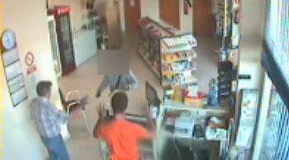 La Guardia Civil detiene a un hombre implicado en robos con violencia en estaciones de servicio en Alicante y Valencia