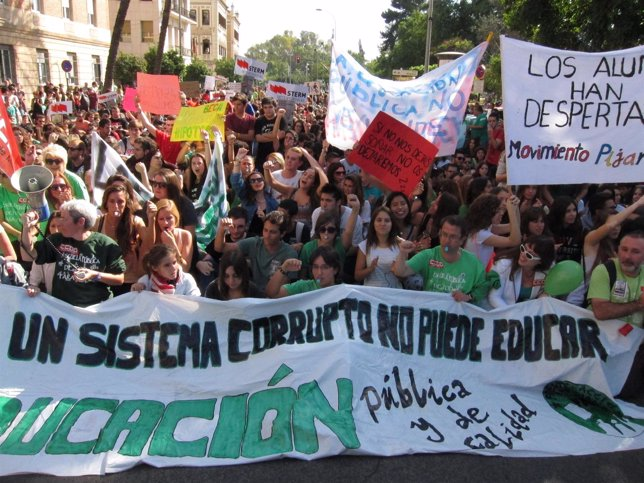 Imagen de la manifestación de estudiantes en la huelga general