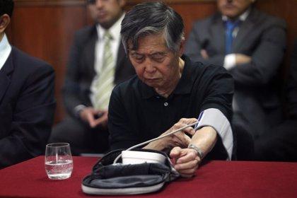Fujimori vuelve a ingresar en una clínica de Lima