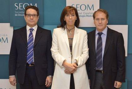 La SEOM destina más de 800.000 euros y entrega becas para apoyar la formación e investigación en cáncer