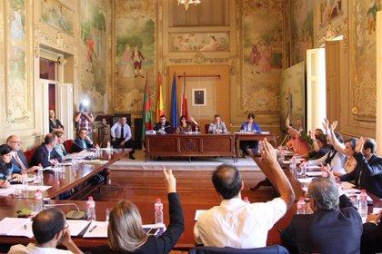 El Pleno aprueba los impuestos y tasas para 2015 con la abstención de toda la oposición