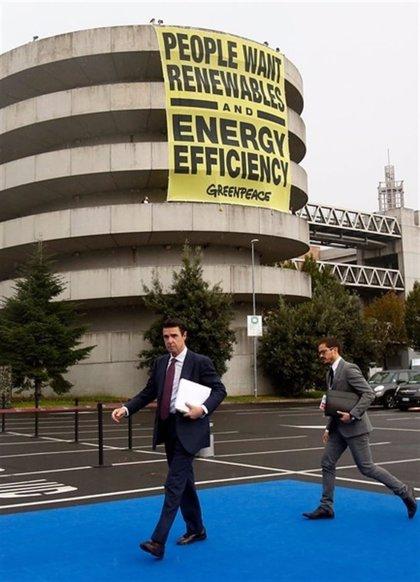Los líderes europeos tratan de acordar un recorte del 40% en emisiones para 2030