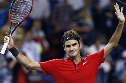 Federer arrolla en su estreno en Basilea