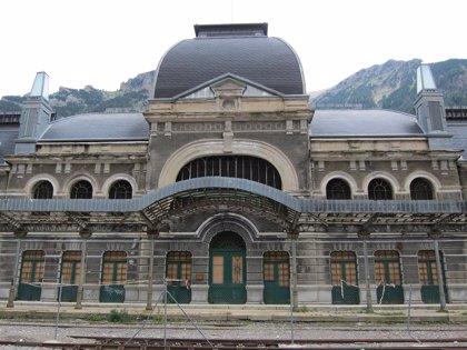 La Estación de Canfranc pone de relieve su valor artístico e histórico en unas jornadas