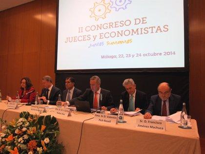 """Jueces y economistas abogan por una justicia """"ágil"""" que ayude a la recuperación y dé respuesta a ciudadanos y empresas"""