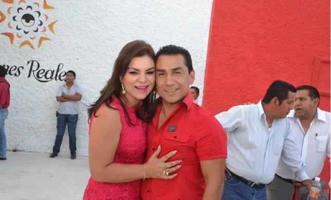El ex alcalde de Iguala y su esposa