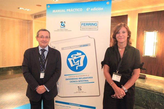 El doctor Hinojosa y la doctora Nos en la presentación del 'Manual Blanco'