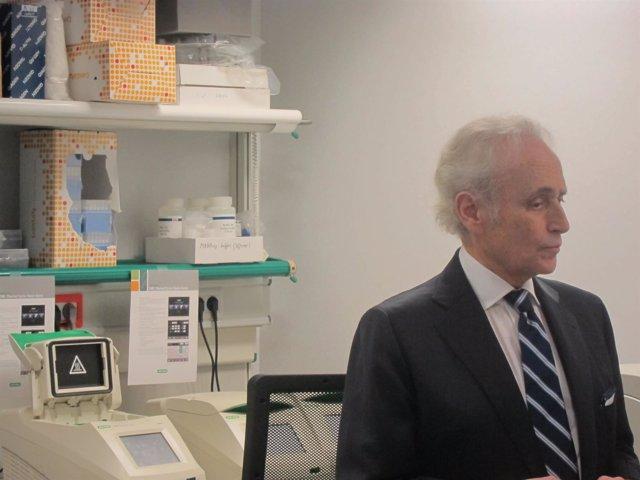 Josep Carreras, en una visita al Campus-Clínic UB