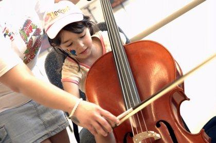 La musicoterapia puede reducir la depresión en menores con problemas de conducta