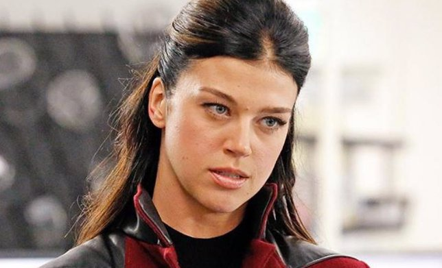 Primer vistazo al traje de combate de Mockingbird en Agents of S.H.I.E.L.D.