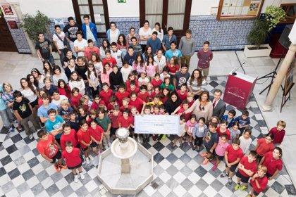 Sevilla.-Cultura.- Más de un centenar de alumnos entregan 5.800 euros dentro del Programa de Micromecenazgo de la ROSS