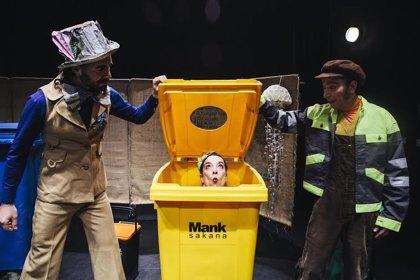 La compañía Zirika Zirkus propone un espectáculo en euskera de circo, teatro y música sobre el reciclaje