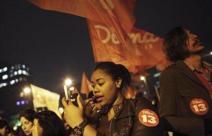 Seguidores de Rousseff y Neves se enfrentan en Sao Paulo