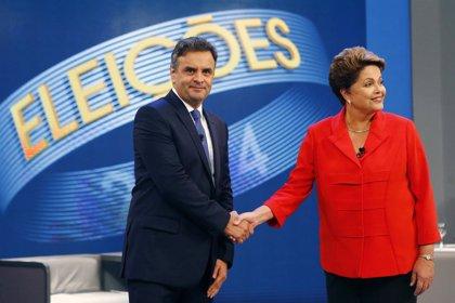 Rousseff sale reforzada del último debate a pesar de Petrobras